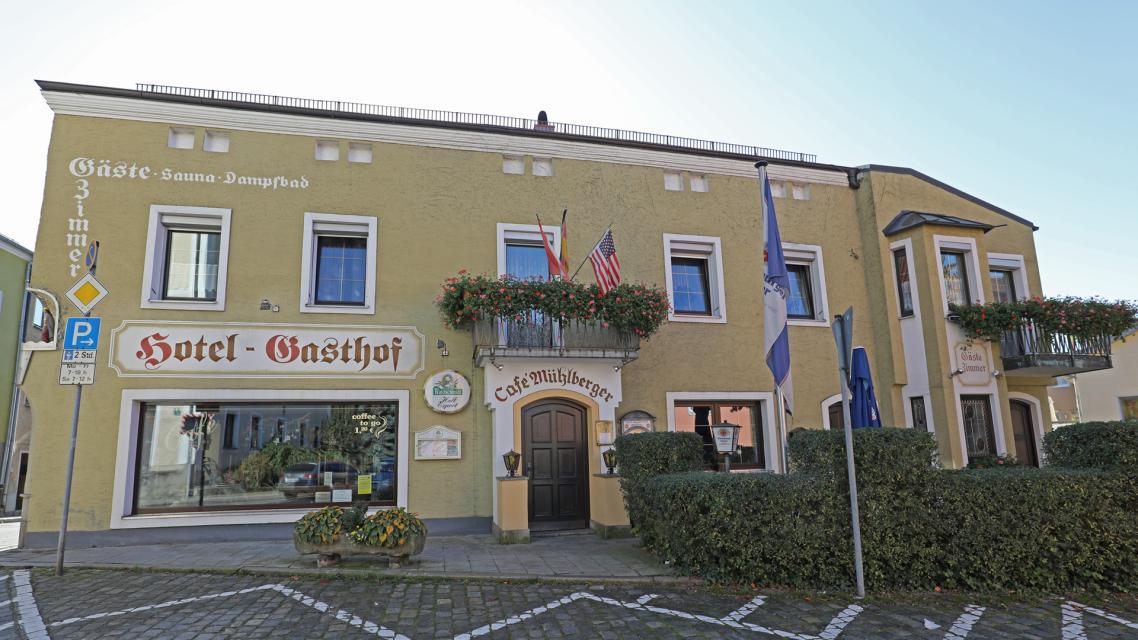 Hotel-Gasthof-Cafe Mühlberger