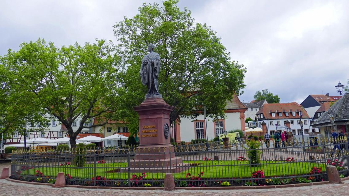 Denkmal Graf zu Erbach