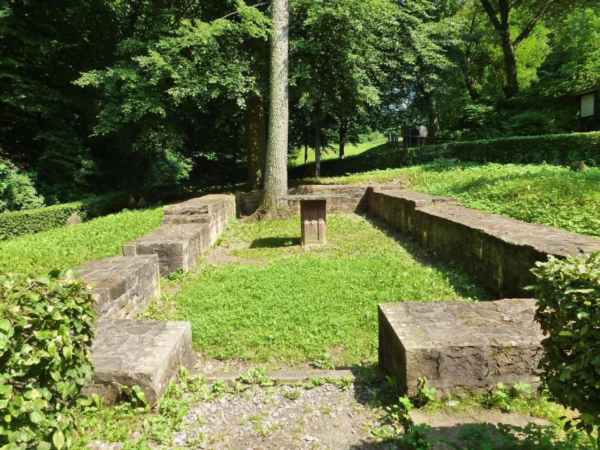 Grundmauern der Heiligkreuz Kapelle