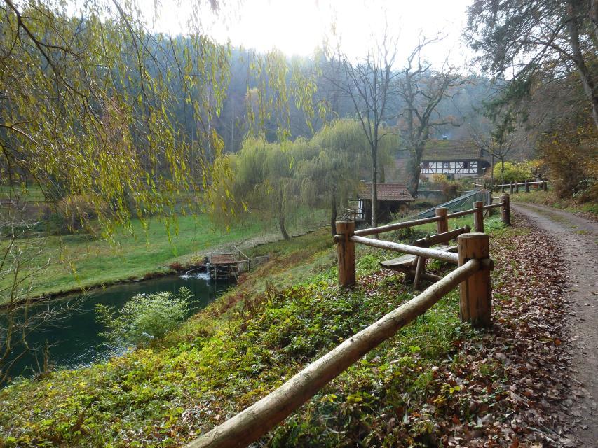 Weg durchs Brunnthal