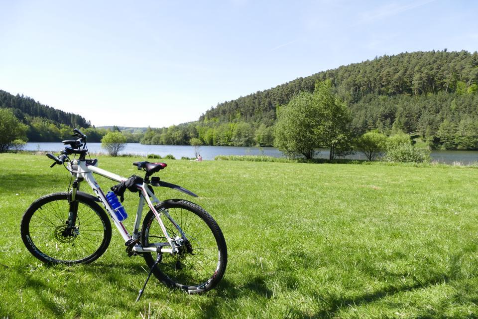Mountainbike am See