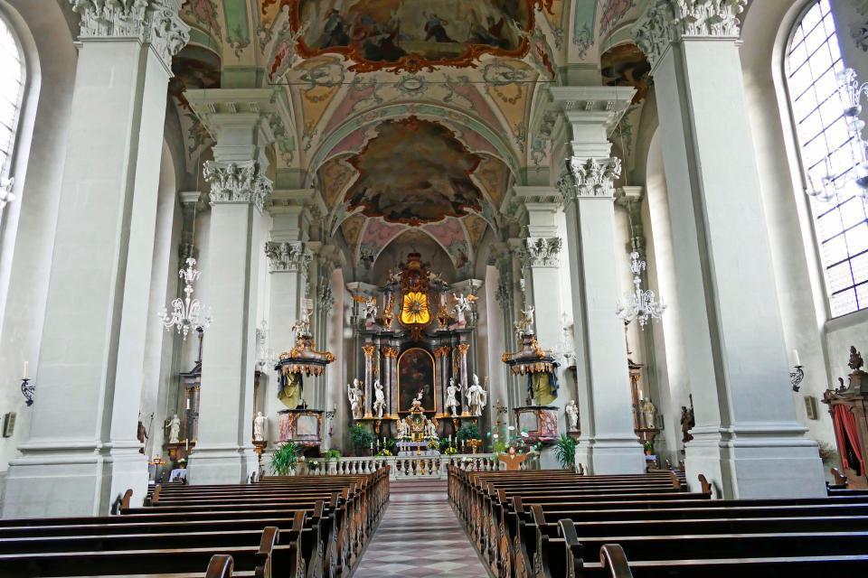 Innenraum der Pfarrkirche St. Gangolf