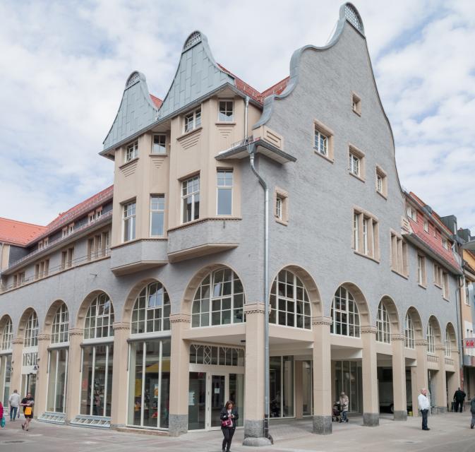 Das frühere Kaufhaus Metzendorf ist nun Sitz der Tourist-Information