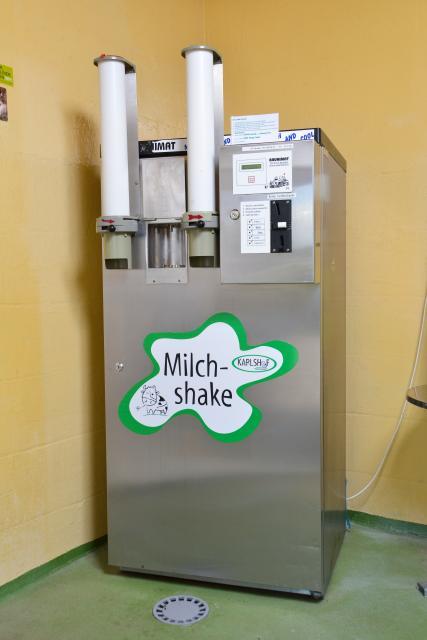 Am Milchshake-Automat kann man sich Köstlichkeiten selber zubereiten.