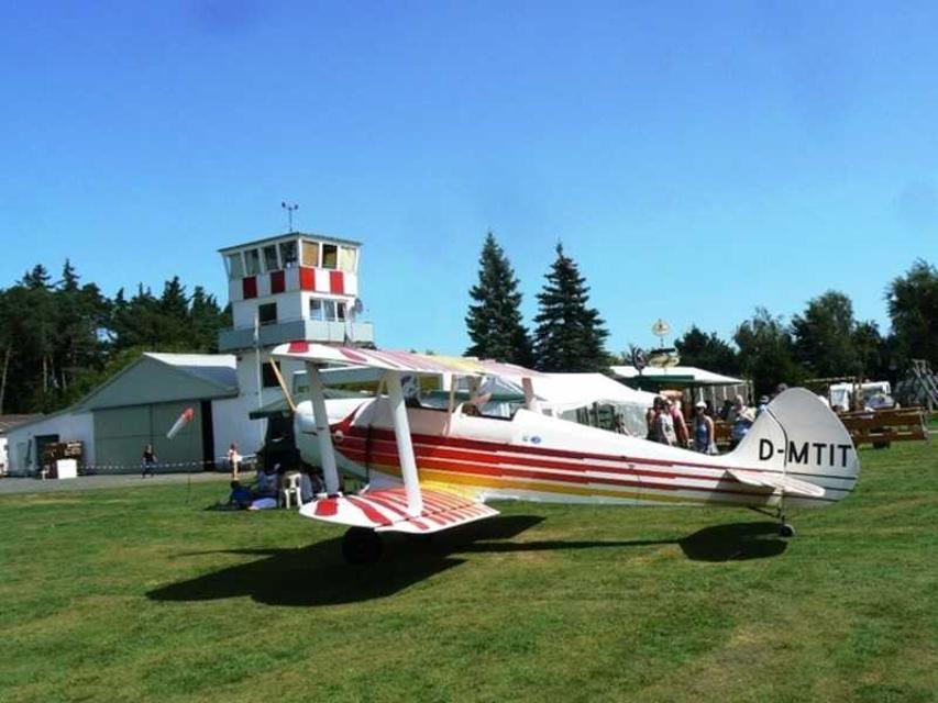 Beim Segelflugverein sind Gastflüge möglich.