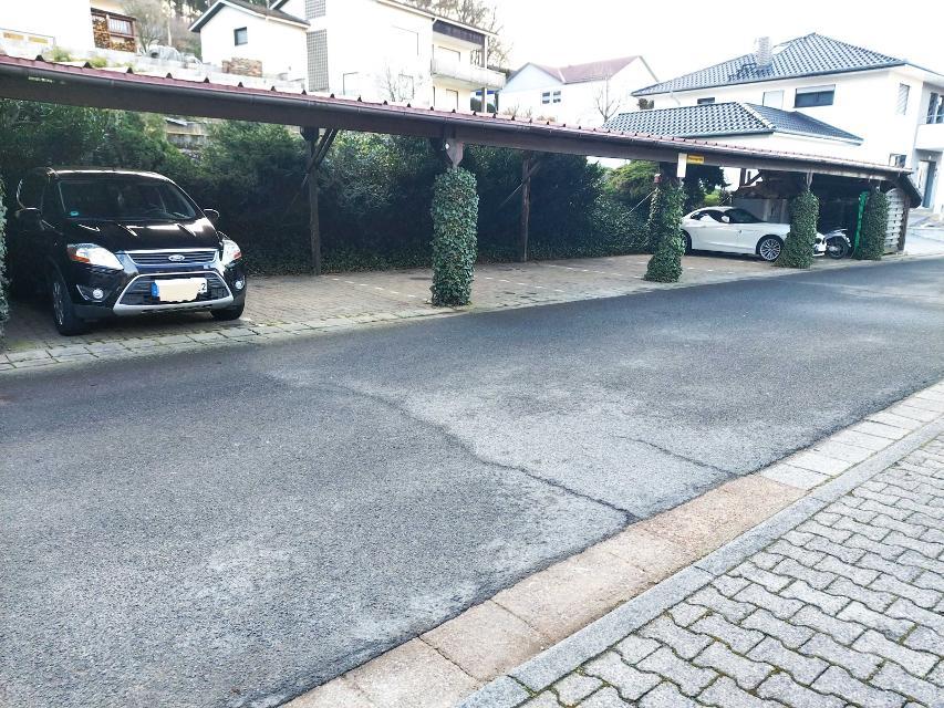 Parkplatz/Stellplatz
