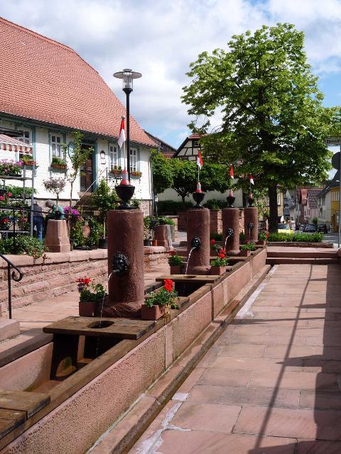 Zwölf-Röhrenbrunnen