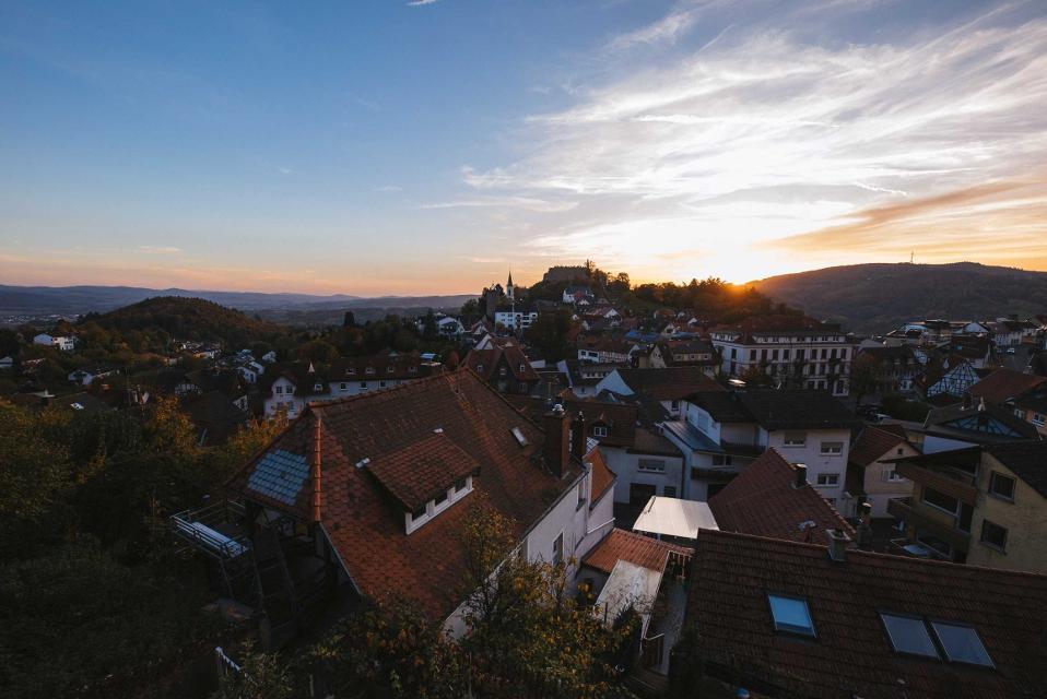 Blick über Lindenfels auf die Burg