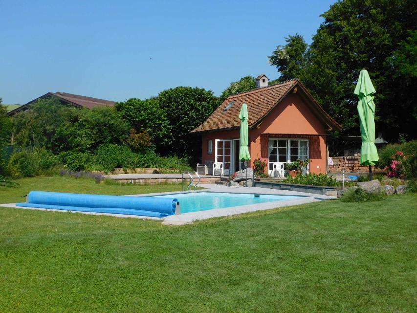 Pool mit Badehaus / Nutzung gegen Gebühr nach Absprache möglich