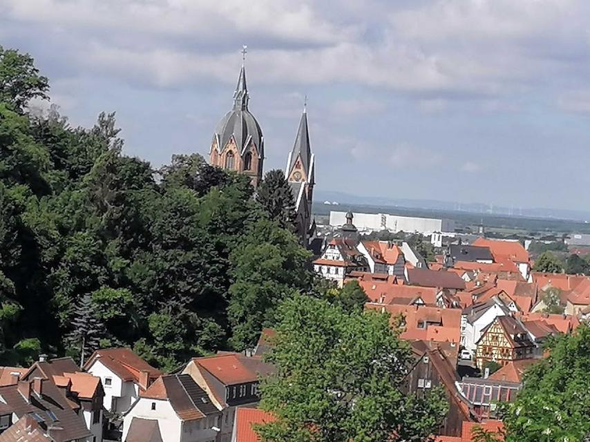 Blick Richtung Heppenheim und in die Rheinebene vom Wohnzimmer