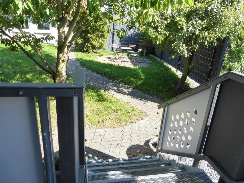 Zugang zum Garten von der Terrasse