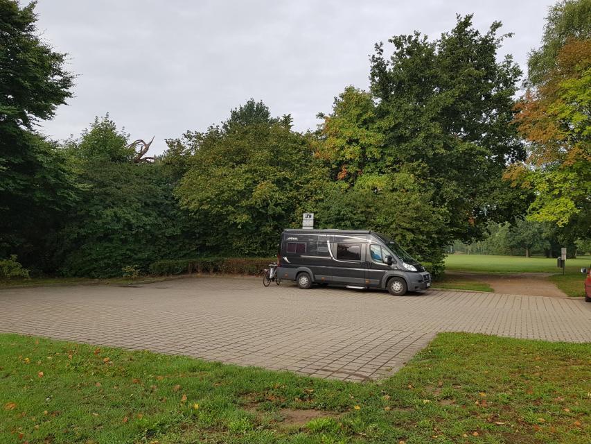 Parkplatz Verdener Straße an der Polizei