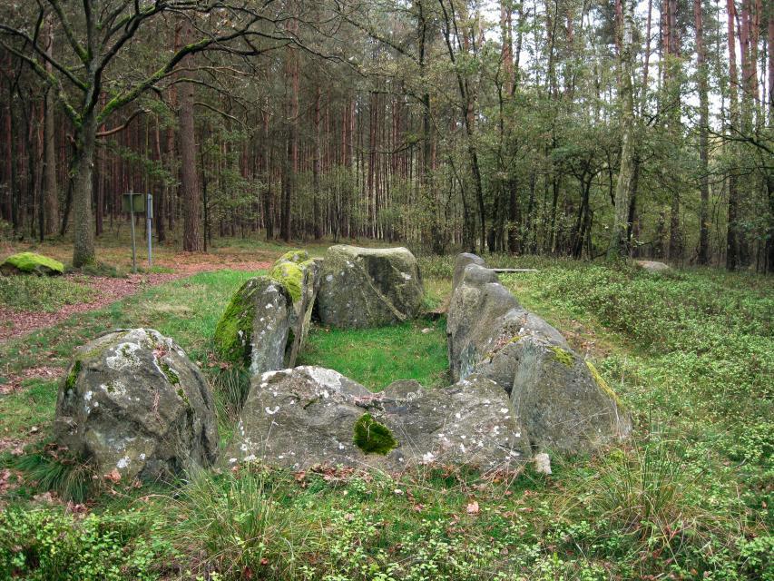 Megalith –  Großsteingrab  Krelingen