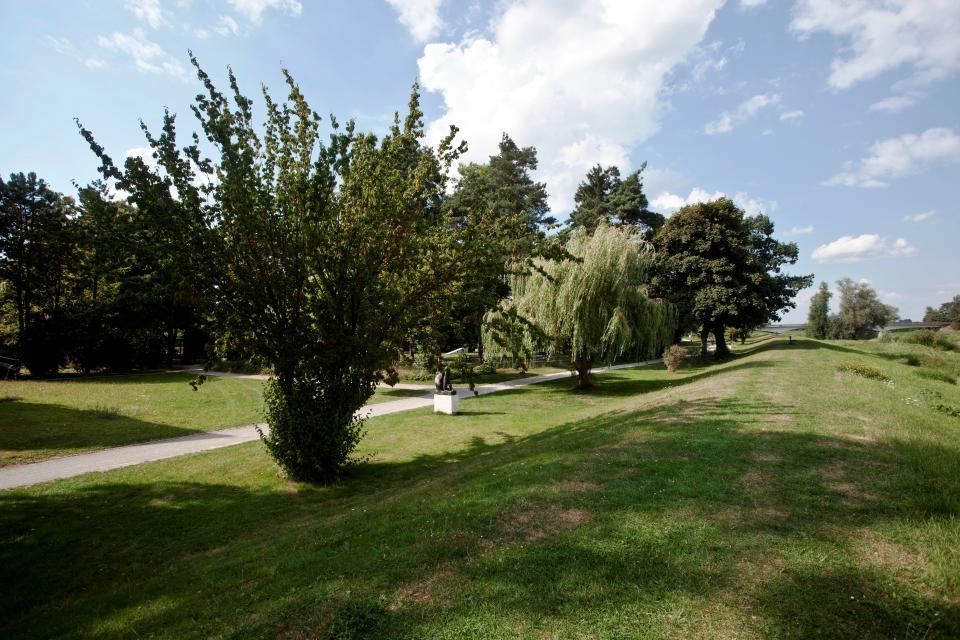 Burghof und Londy-Park in Rethem
