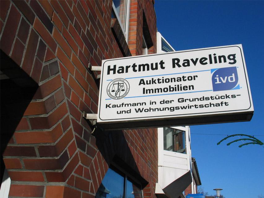 Auktionator Hartmut Raveling