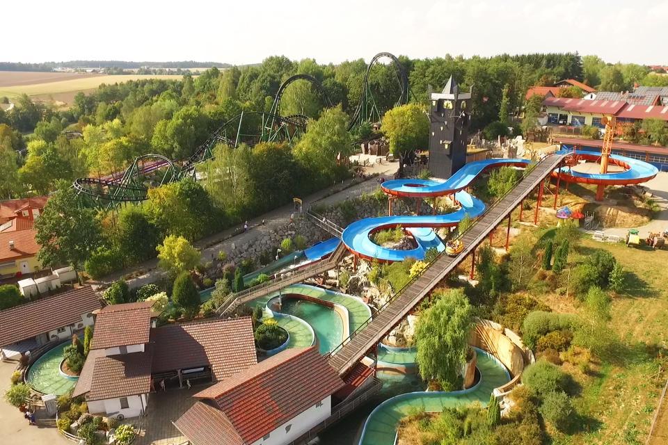 Wasserspaß auf der Wildwasser-Rafting Anlage im Bayern-Park. - Bayern-Park Freizeitparadies GmbH