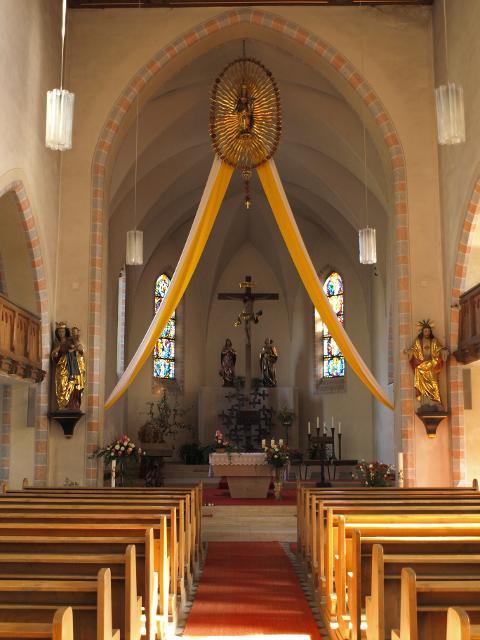 Innenansicht der Kirche in Nagel