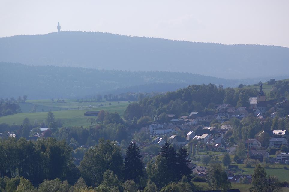 Landschaft mit Schneeberg