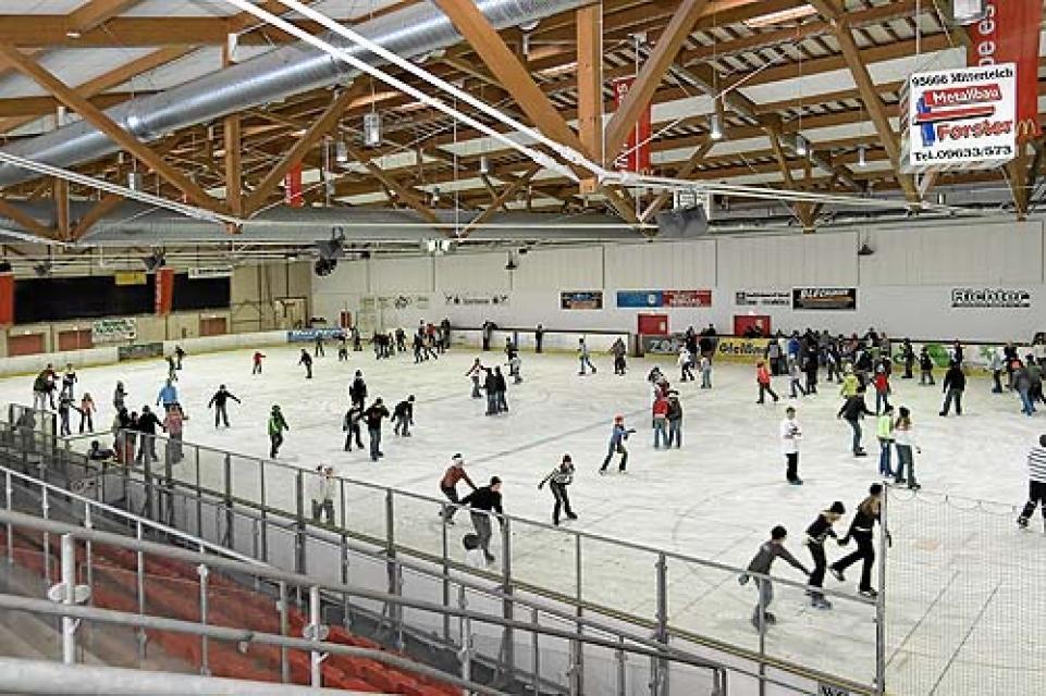 Stadt Mitterteich - Eissporthalle
