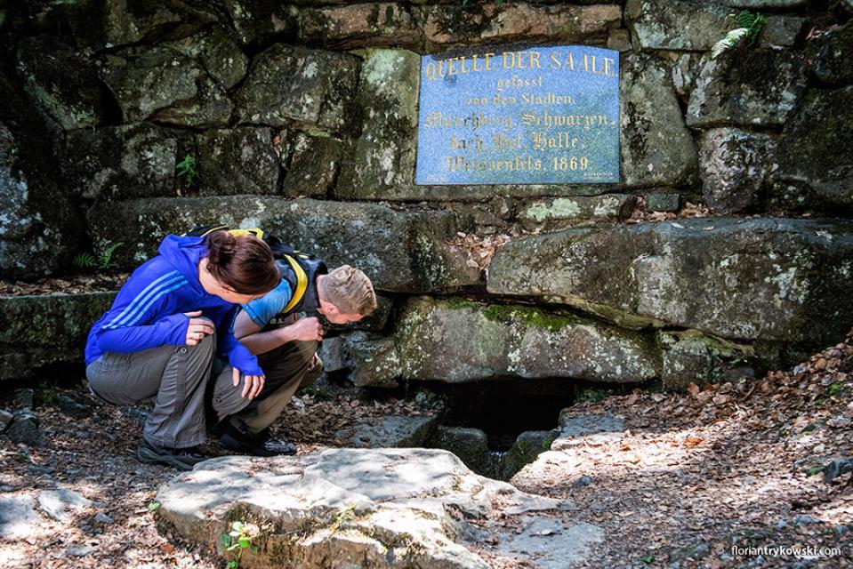 """Wanderung: """"Felsen, Wasser, Steine - Humboldt, die gelbe Erde und die Saalequelle"""""""
