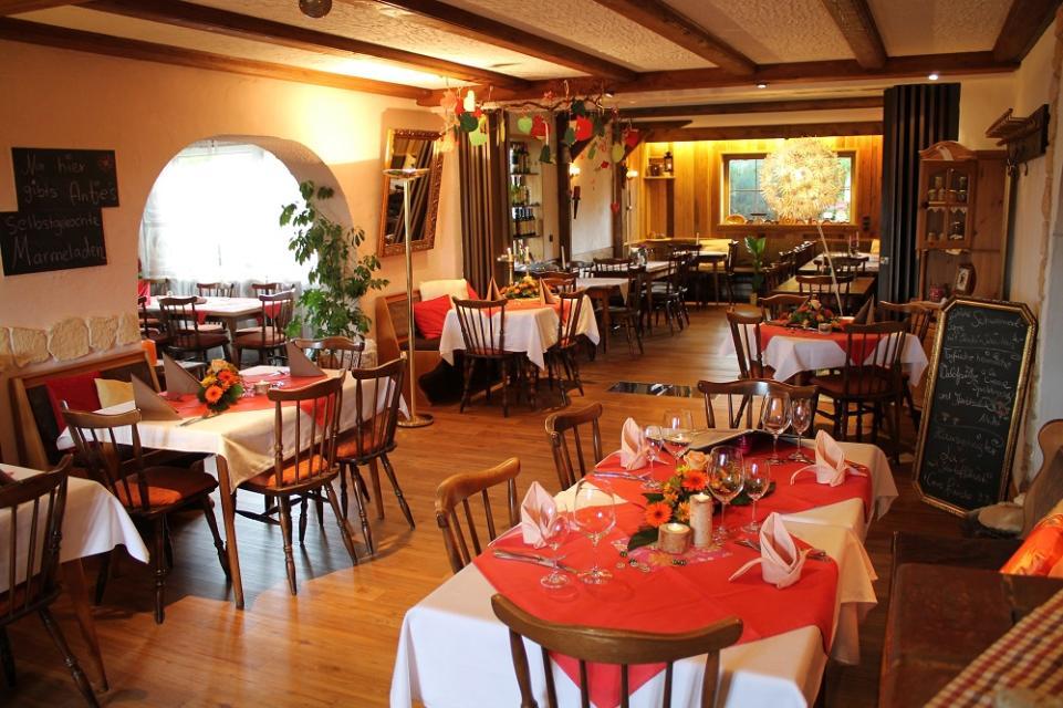 Gastronomie geöffnet - Schmankerl-Restaurant Bauer