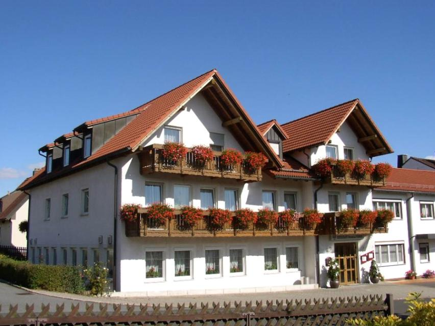 - Hotel Sonnental