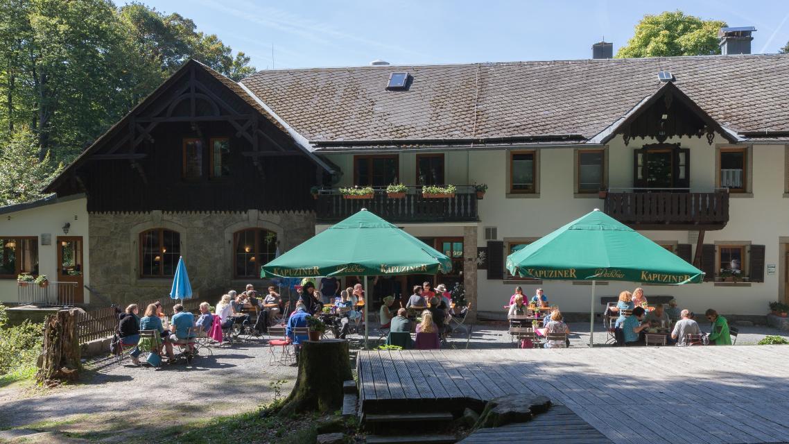 - Waldsteinhaus