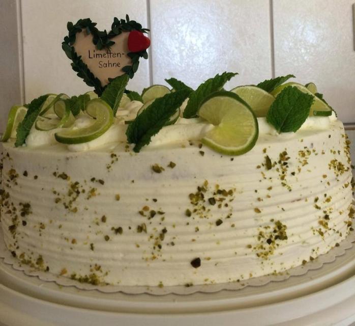 Gaststätte Panzen - Limetten-Torte - Familie Tragl
