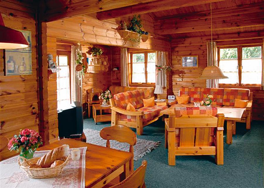 Idyllische Ferienhäuser am Waldrand