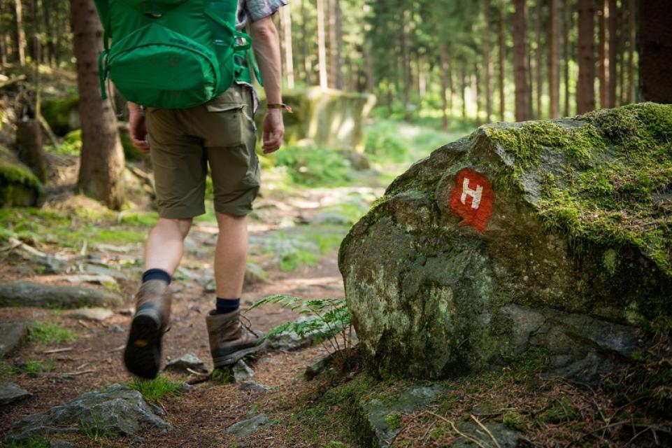 Höhenweg: Wandern ohne Gepäck auf dem Granit-Hufeisen