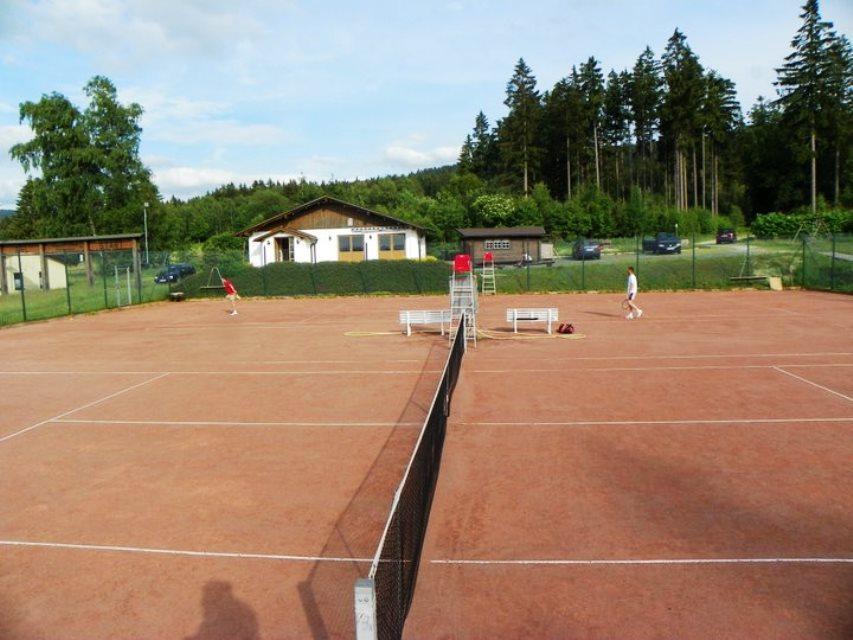 Tennisfreiplätze
