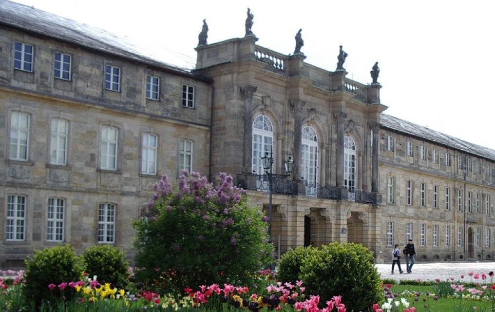Neues Schloss Bayreuth mit Porzellansammlung Rummel