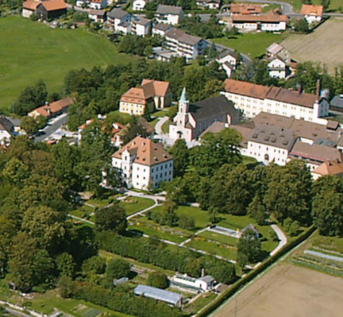 "Kath. Pfarrkirche ""Maria Immaculata"" Friedenfels"