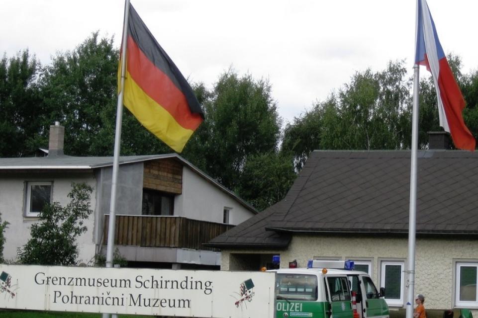- Bayerisches Grenzmuseum Schirnding