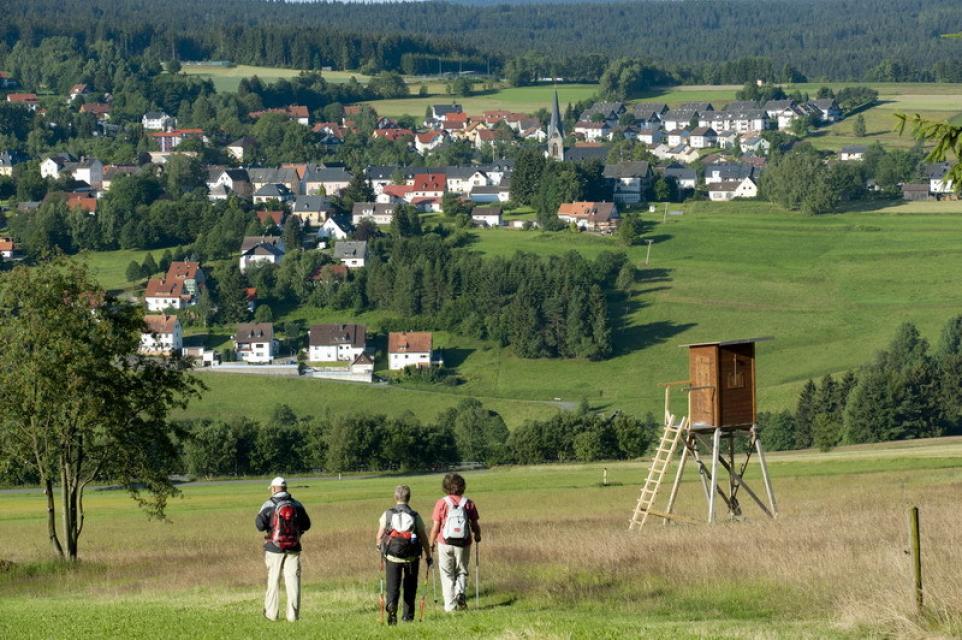 Wanderer vor Bischofsgrün - A. Hub