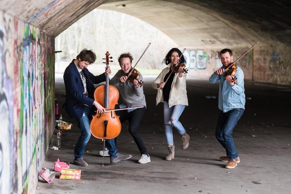 Feuerbach Quartett: BOMBAX!