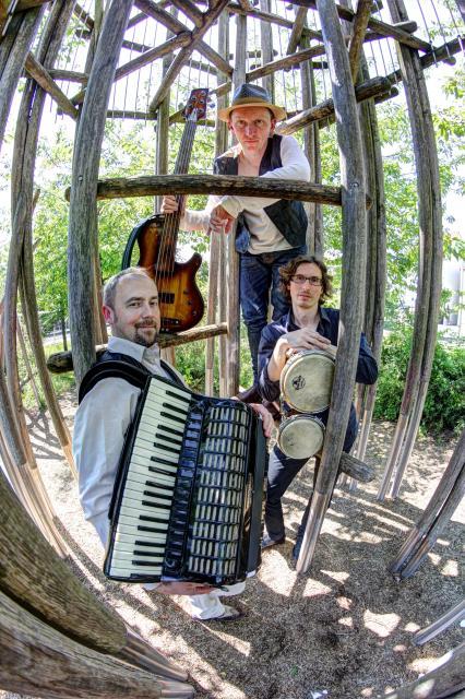 Global Shtetl Band - ROYZ: Fun Lublin biz Rio