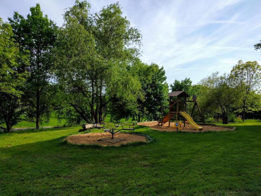 Griess Keller Geisfeld Spielplatz - Griess Keller Geisfeld