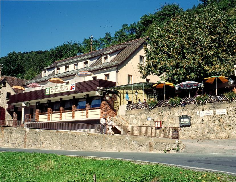 "Gasthof - Pension - Metzgerei ""Schlossblick"""