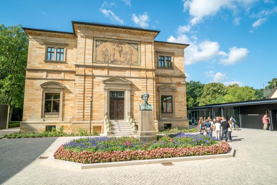 - Bayreuth Marketing & Tourismus GmbH, Harbach