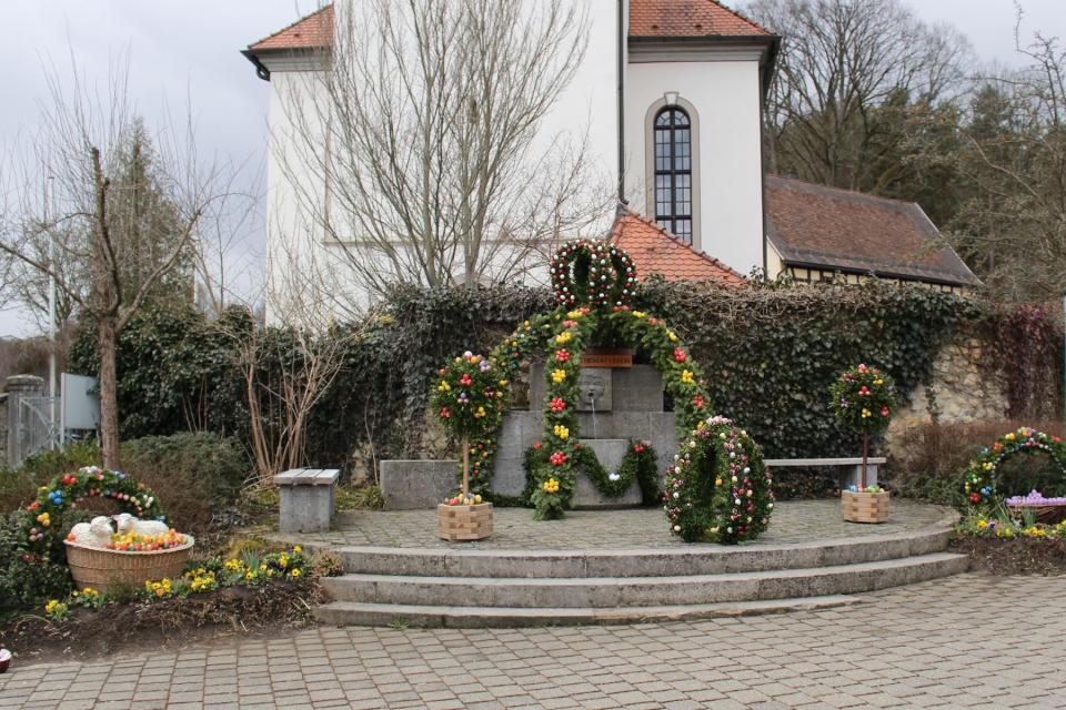 Osterbrunnen - Markt Plech