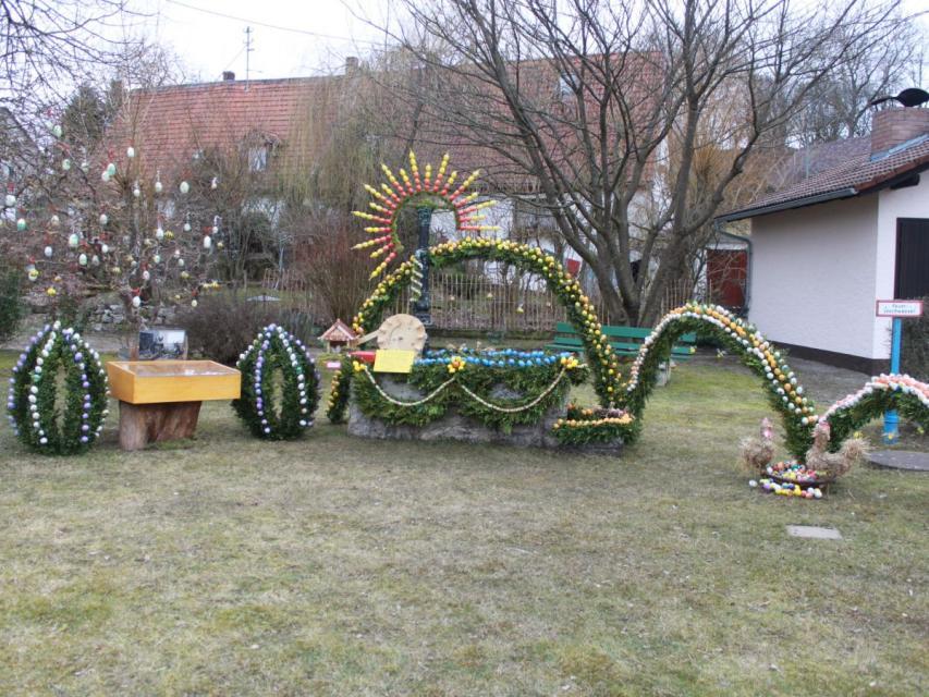 Osterbrunnen in Voigendorf