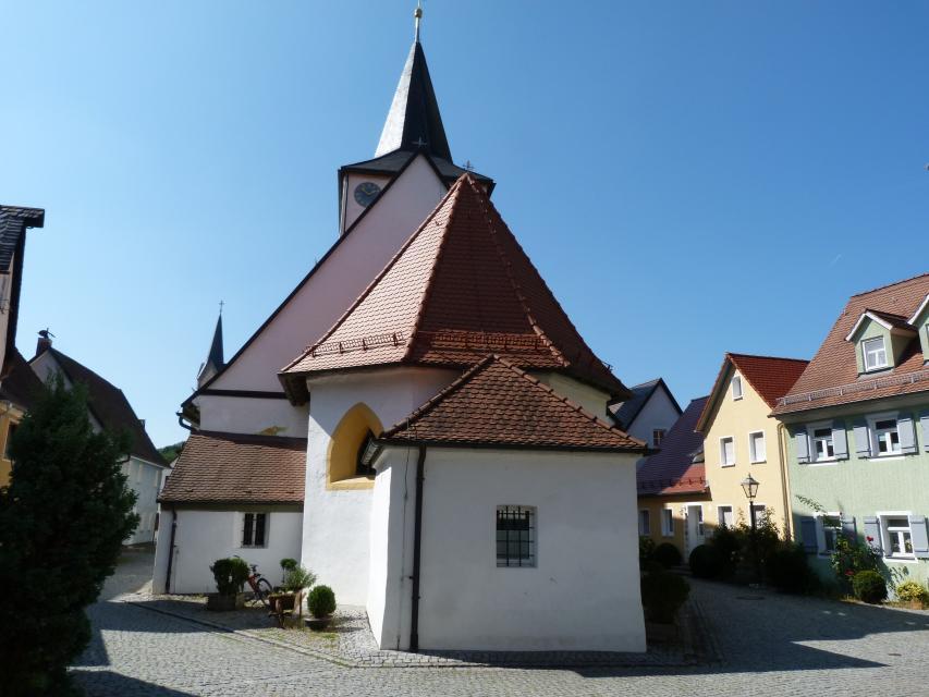 Kapellenplatz mit Frantz-Melchior-Freytag-Brunnen