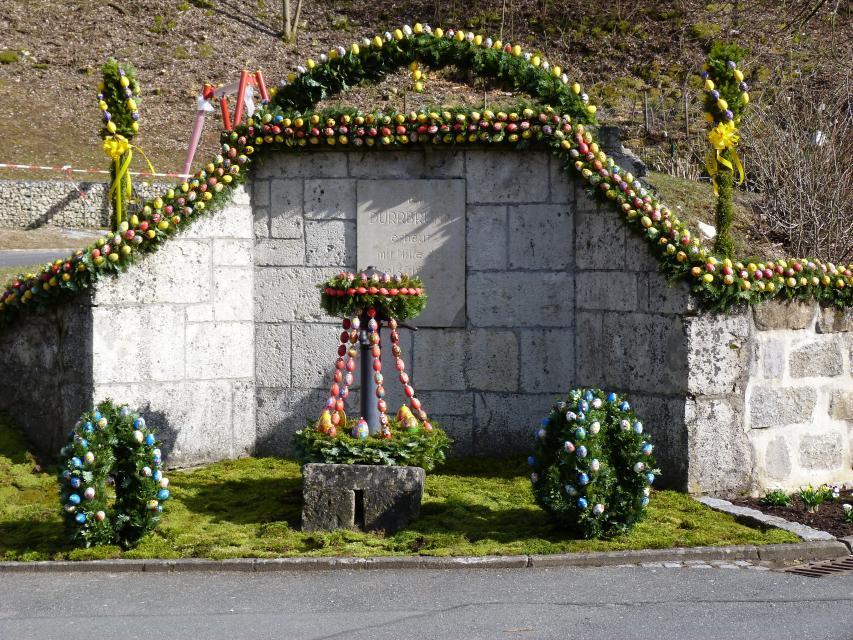 Der Osterbrunnen von Dürrbrunn -