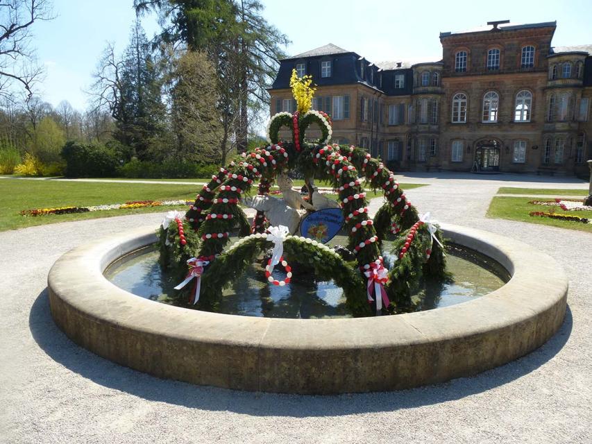 Osterbrunnen in Donndorf
