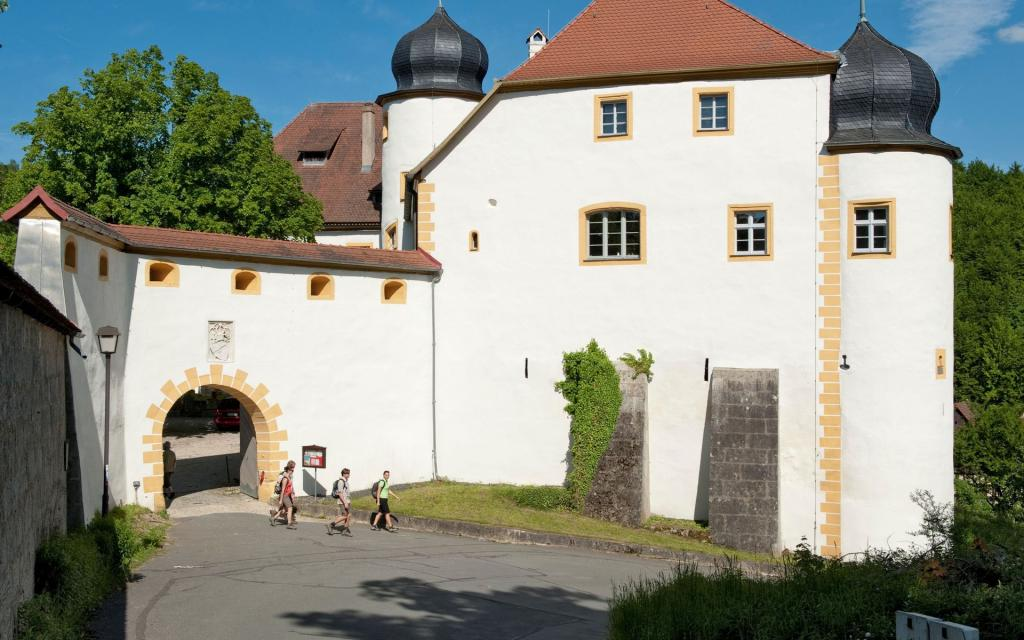 - Schloss Unteraufsess