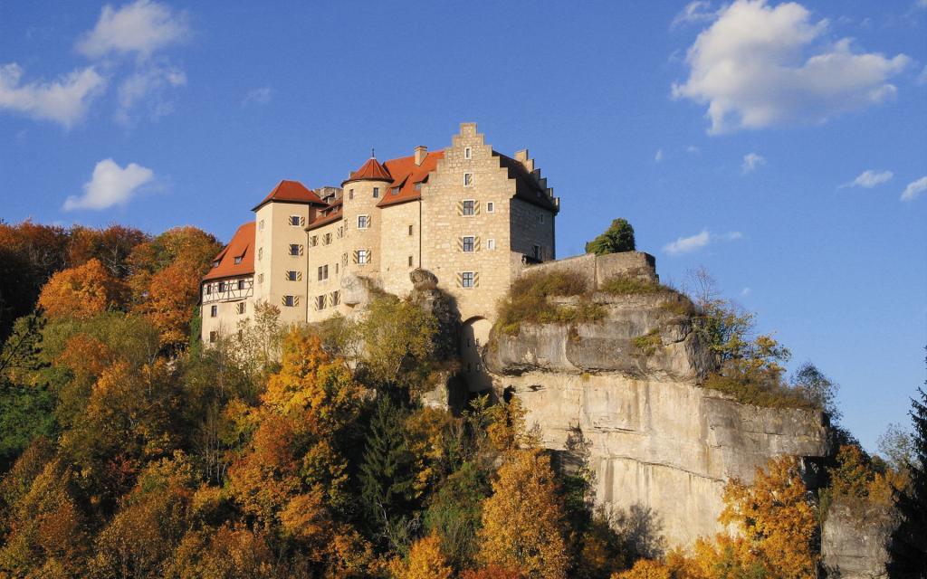 - Burg Rabenstein