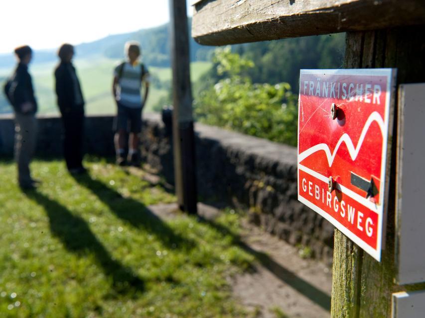 Fränkischer Gebirgsweg bei Burg Rabenstein