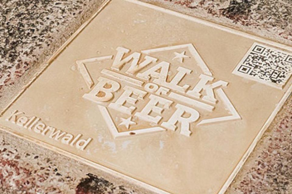 WALK OF BEER Bodenplatte mit QR-Code