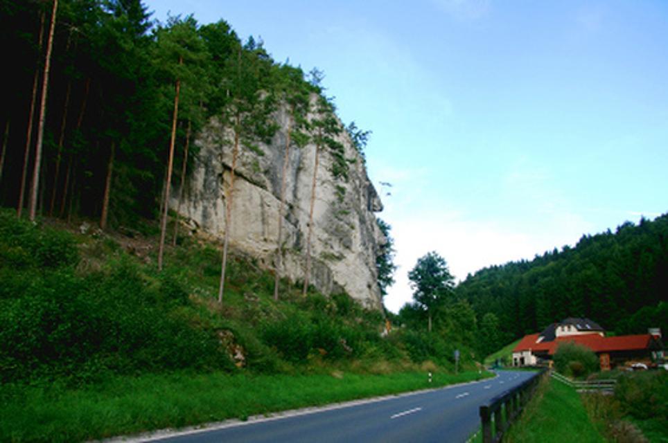 Richard-Wagner-Felsen mit Reichelsmühle